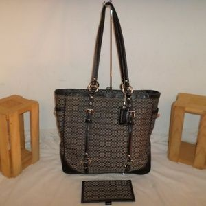 COACH EAST WEST GALLERY TOTE F11527